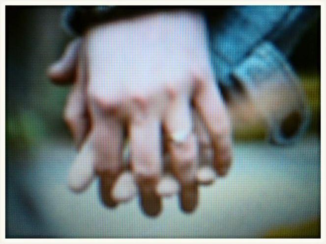 hands cov